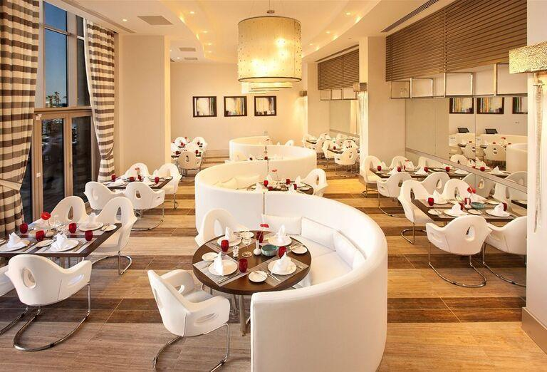 Stolovanie v hoteli Kaya Palazzo Golf Resort