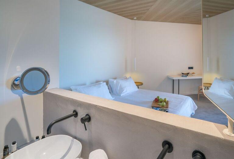 Izba s kúpeľňou v hoteli TUI Sensimar Caravel Suites