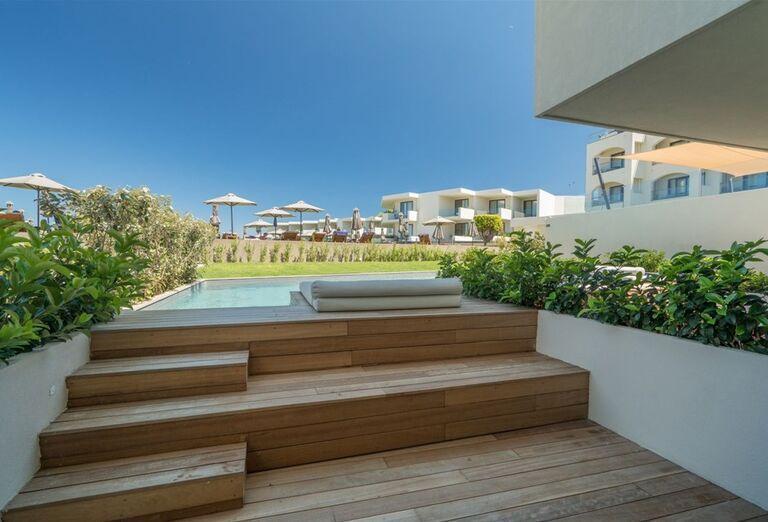 Vstup do vlastného bazéna v hoteli TUI Sensimar Caravel Suites
