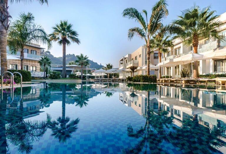 Bazén v hoteli The Lesante Luxury Hotel & Spa