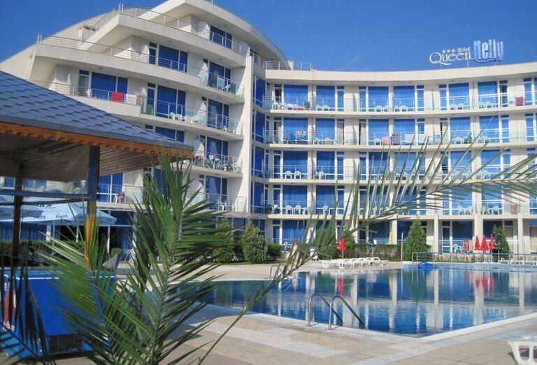 Areál hotela Queen Nelly, Primorsko, Bulharsko