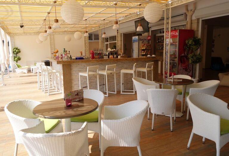 Bar v hoteli Karlovo, Slnečné Pobrežie, Bulharsko
