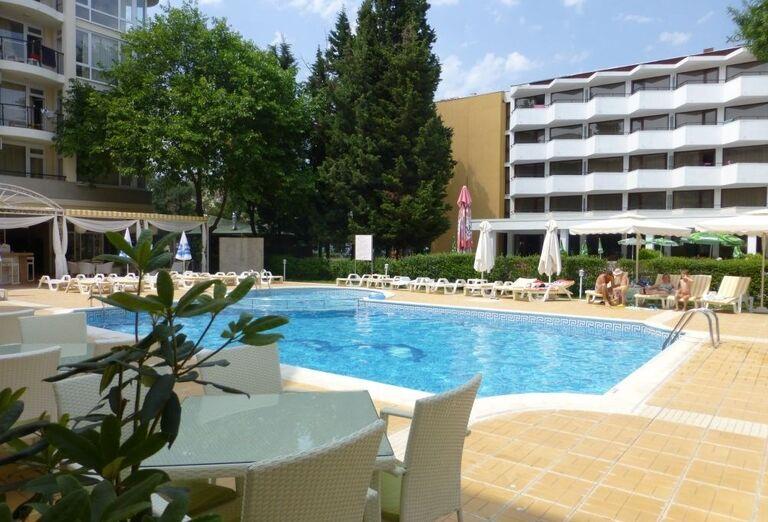 Bazén hotela Karlovo, Slnečné Pobrežie, Bulharsko