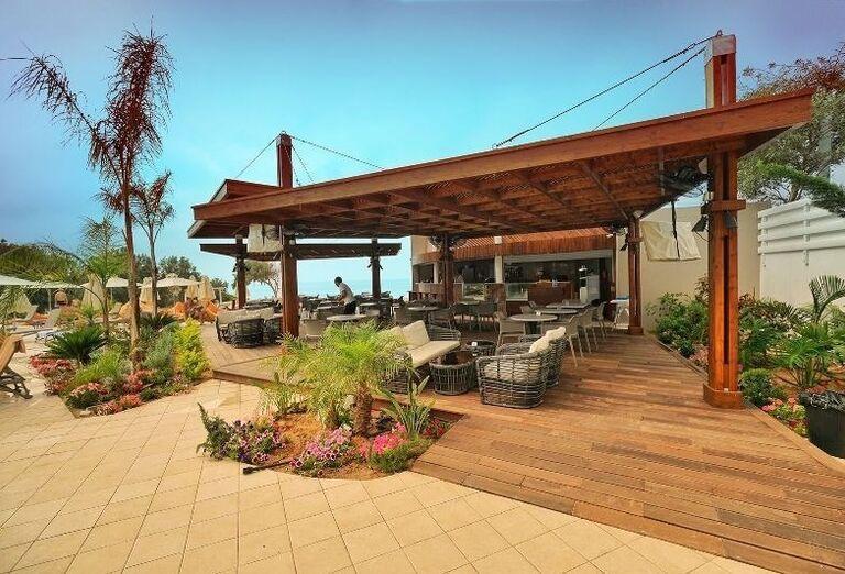 bar v hoteli Melissi Beach