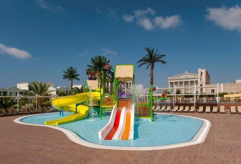 detský bazén v hoteli Kaya Artemis, Bafra, Cyprus