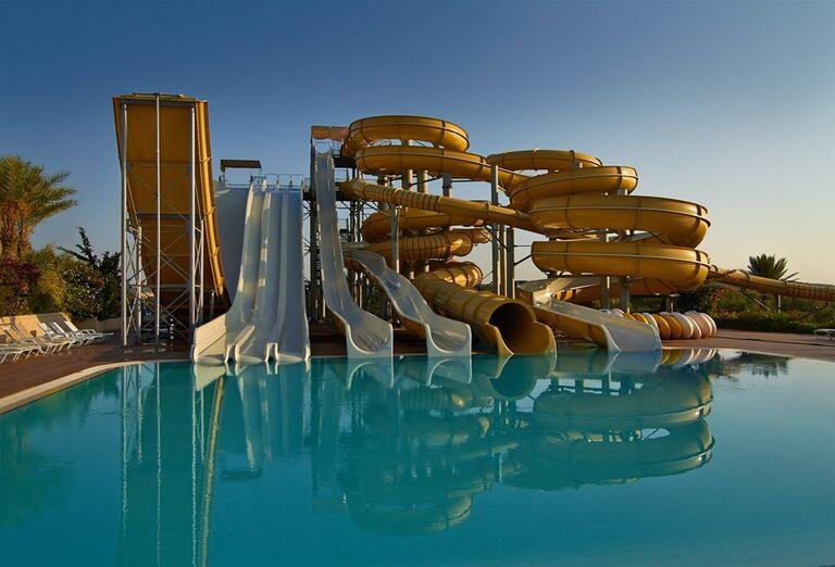 aquapark v hoteli Kaya Artemis, Bafra, Cyprus