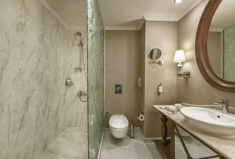 kúpeľňa v Kaya Artemis, Bafra, Cyprus