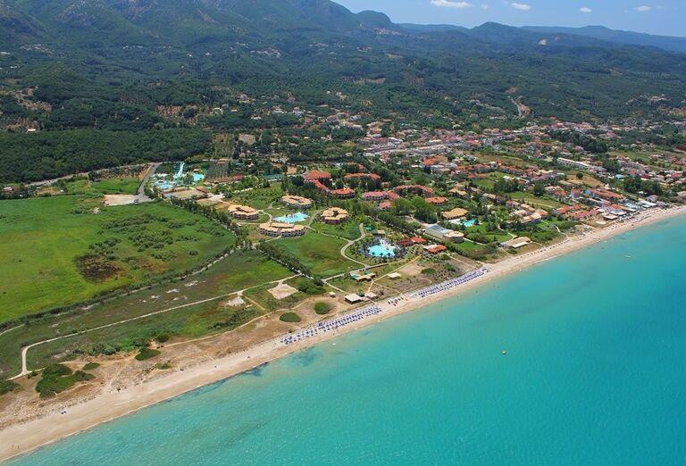 grecko-korfu-acharavi-gelina-village-plaz