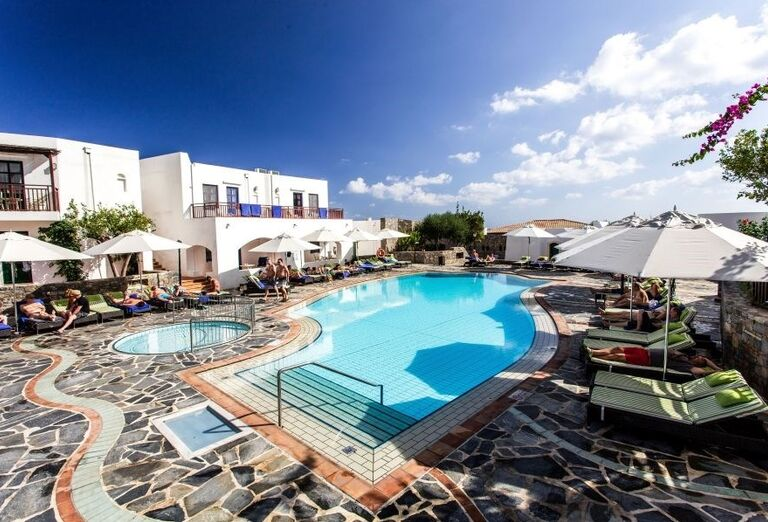 Relax pri bazéne v hoteli Creta Maris Beach Resort