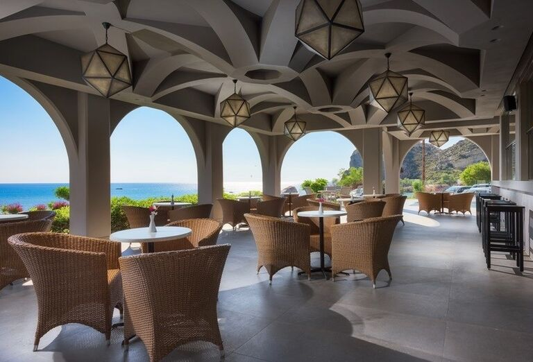 Vonkajšia krytá terasa v hoteli Porto Angeli