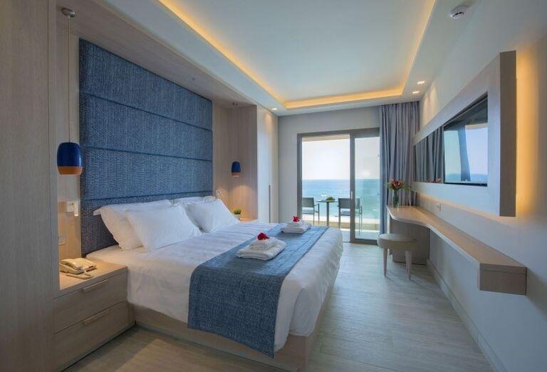 Izba s výhľadom na more v hoteli Amada Colossos resort