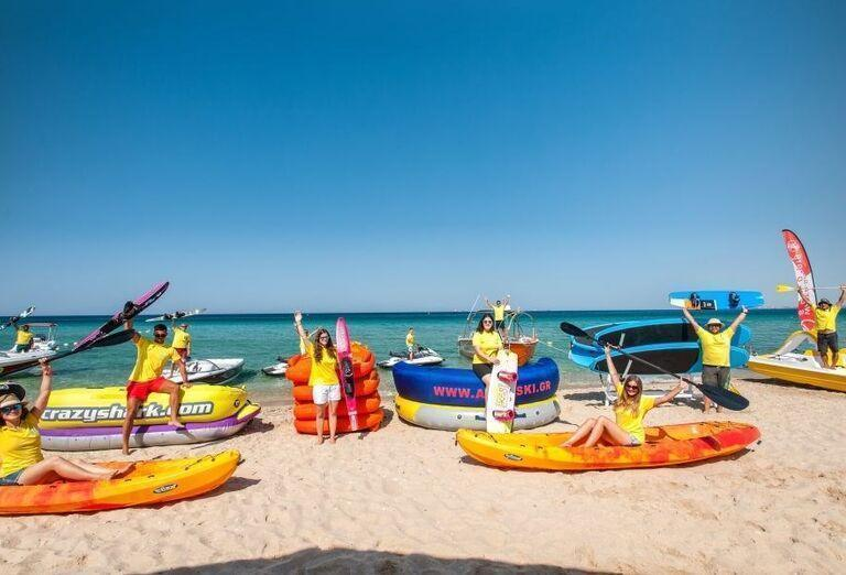 Nafukovacie člny na pláži