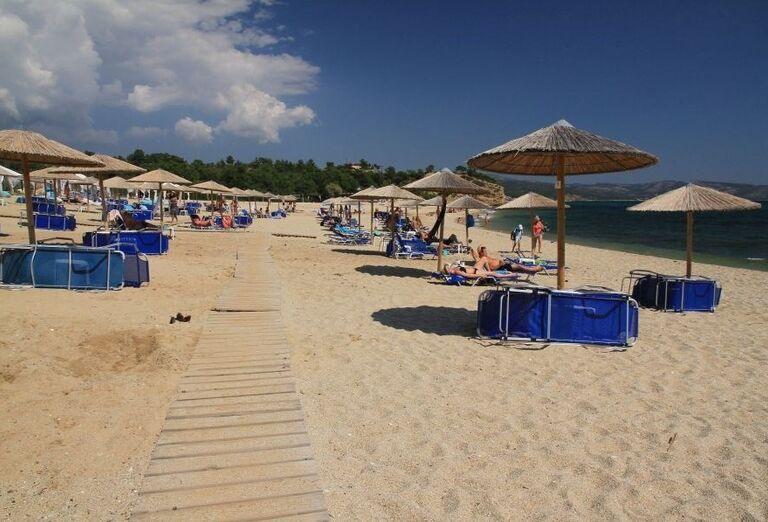 Pláž pred hotelom Blue Dream Palace