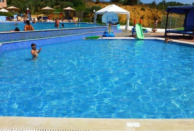 Bazén v hoteli Blue Dream Palace