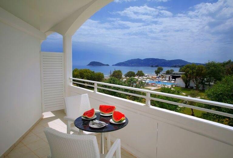 Balkón v hoteli Louis Zante Beach, Laganas, Zakyntos