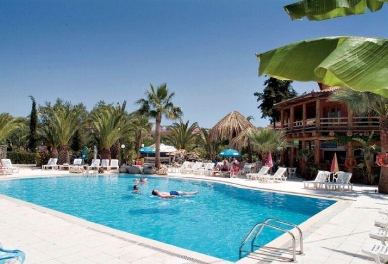 Apartmánový dom Christina, Vassilikos, Zakyntos, bazén
