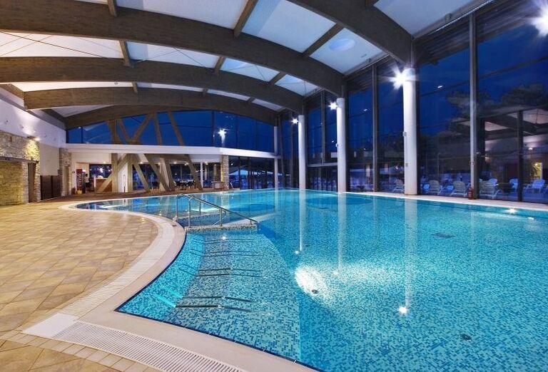 Vnútorný bazén v hoteli Melia Istrian Villas