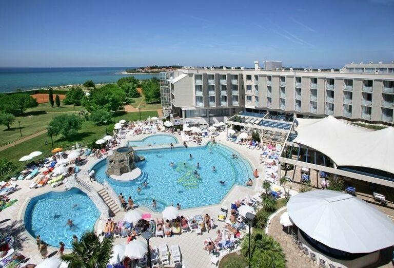Bazénový komplex v hoteli Aminess Maestral