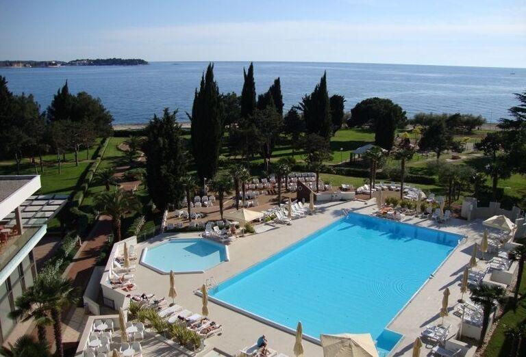 Bazén v hoteli Laguna Materada