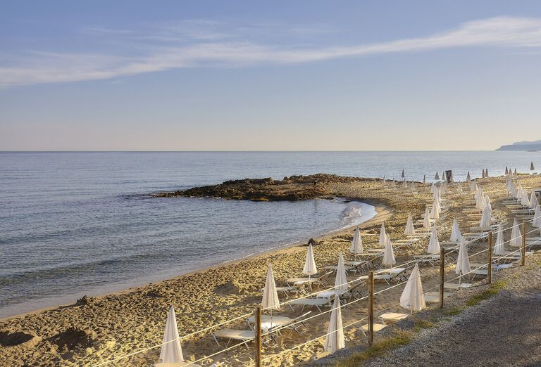 Pláž Alexander Beach Hotel & Village *****