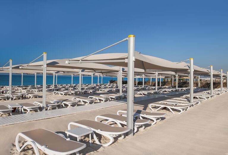 Pláž Hotel Regnum Carya Golf & Spa *****