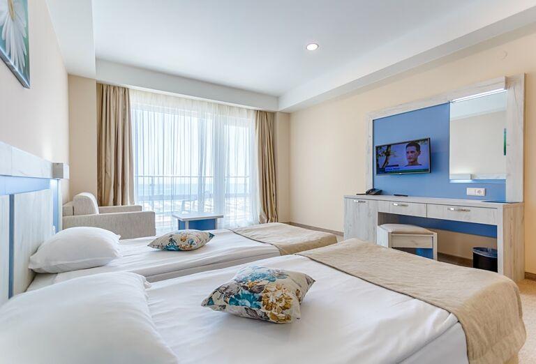 Ubytovanie Hotel Evrika Beach Club ****+