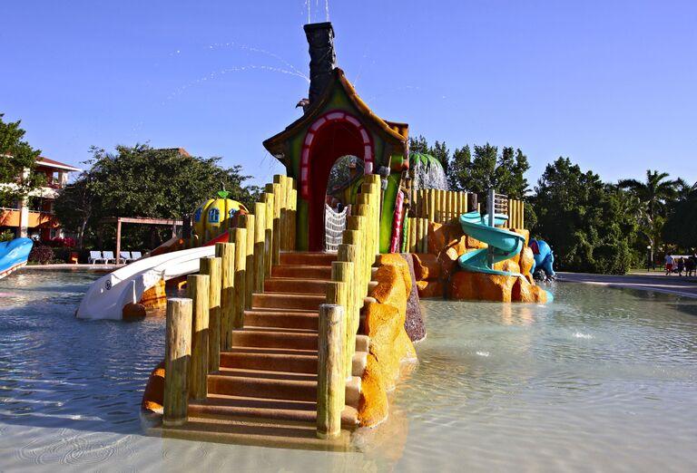 Vodný svet Hotel Bahia Principe Grand Coba *****