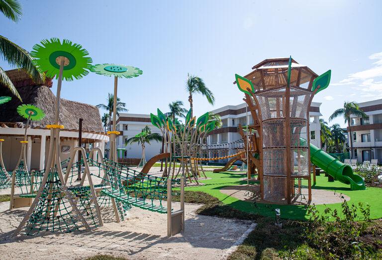 Hotel Grand Bahia Principe Tulum - preliezky