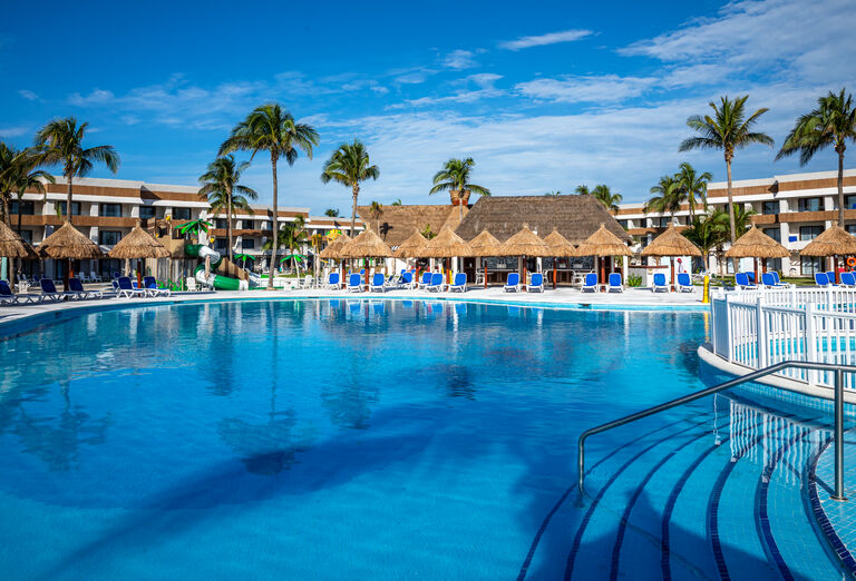 Hotel Grand Bahia Principe Tulum - bazén