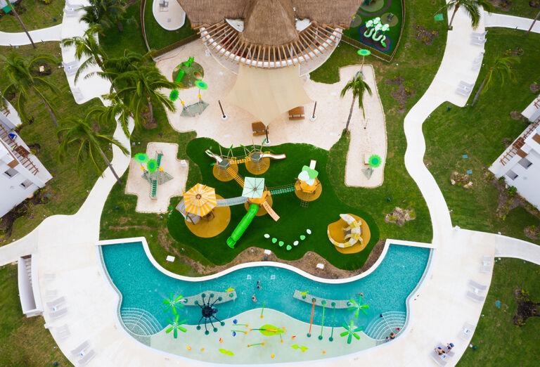 Hotel Grand Bahia Principe Tulum - pohľad na detský bazén
