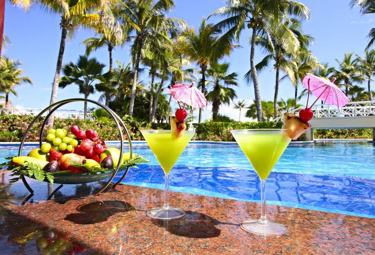 Hotel Bahia Principe Luxury Akumal - občerstvenie na bazéne