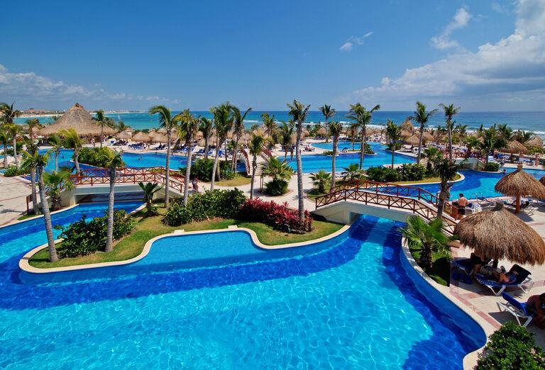 Hotel Bahia Principe Luxury Akumal - bazén