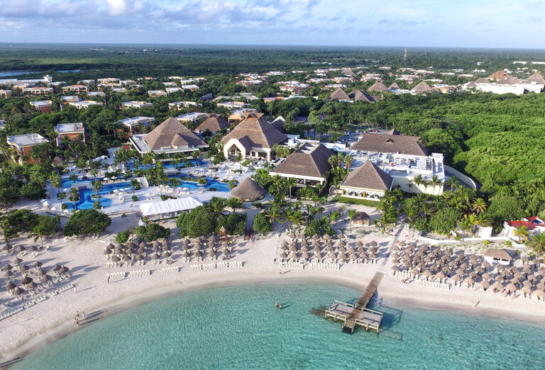 Hotel Bahia Principe Luxury Akumal - pohľad z hora