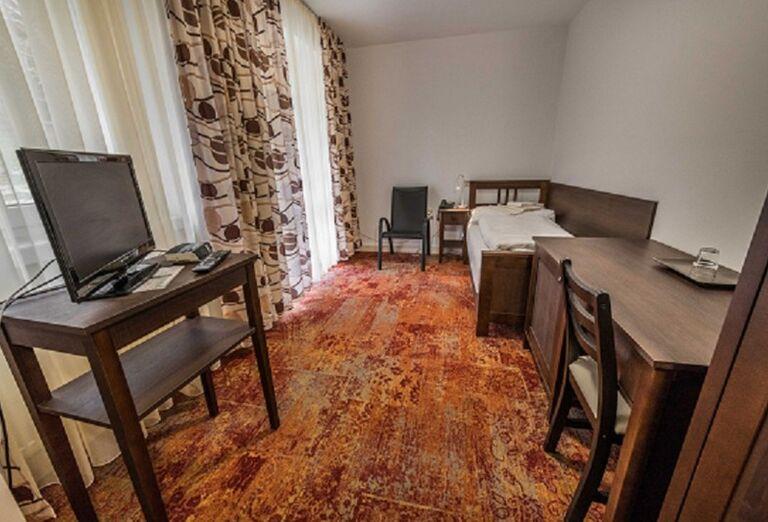 Ubytovanie Kúpeľný Dom Manín ***