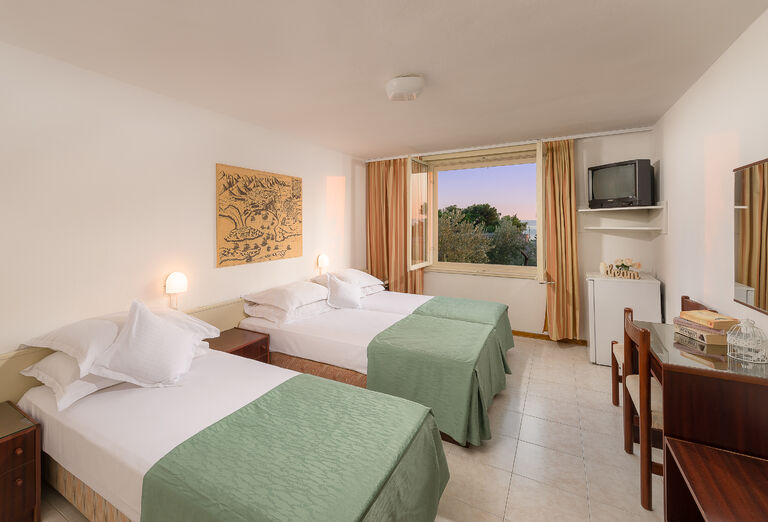 Ubytovanie Hotel Rivijera Sunny Resort by Valamar ***