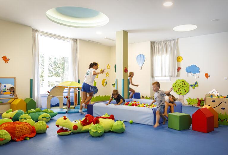 Pre deti Hotel Valamar Parentino ****+
