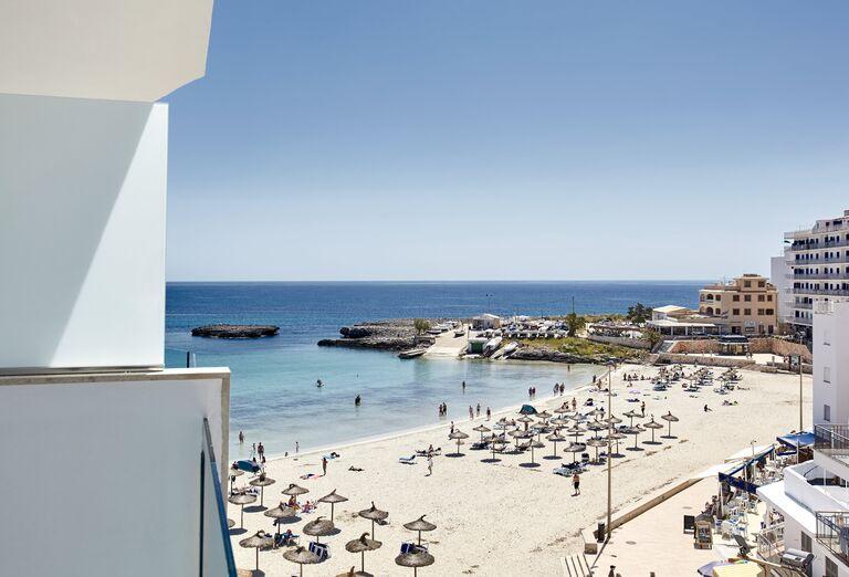 Pláž Universal Hotel Perla ****