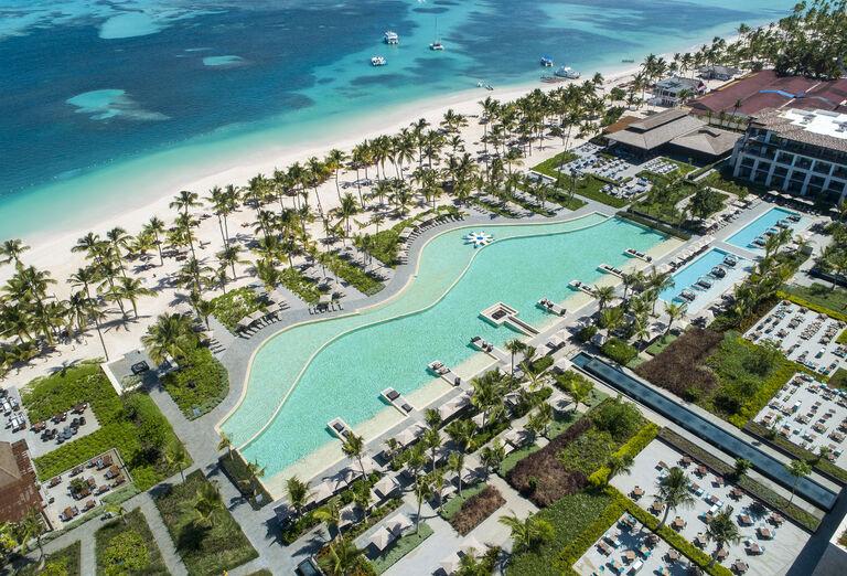Pláž Hotel Lopesan Costa Bavaro Resort, Spa & Casino *****