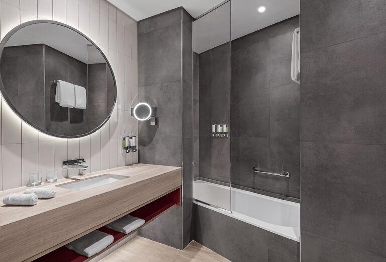 Hotel Hampton by Hilton Marjan Island - kúpeľňa