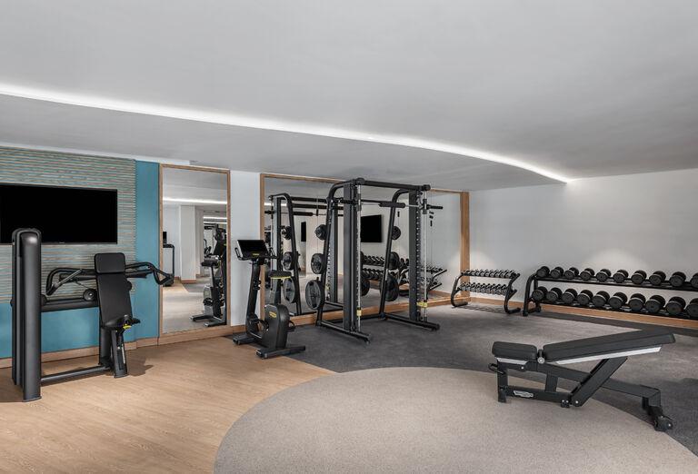 Hotel Hampton by Hilton Marjan Island - fitness centrum