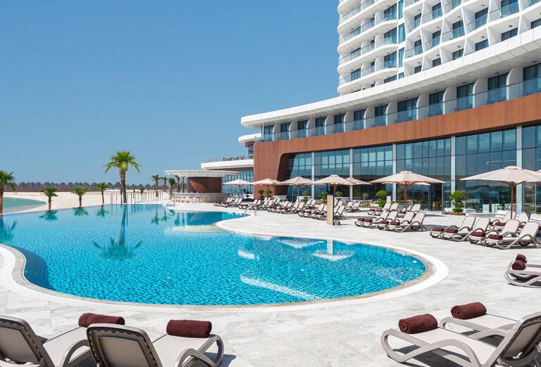 Hotel Hampton by Hilton Marjan Island - infinity bazén