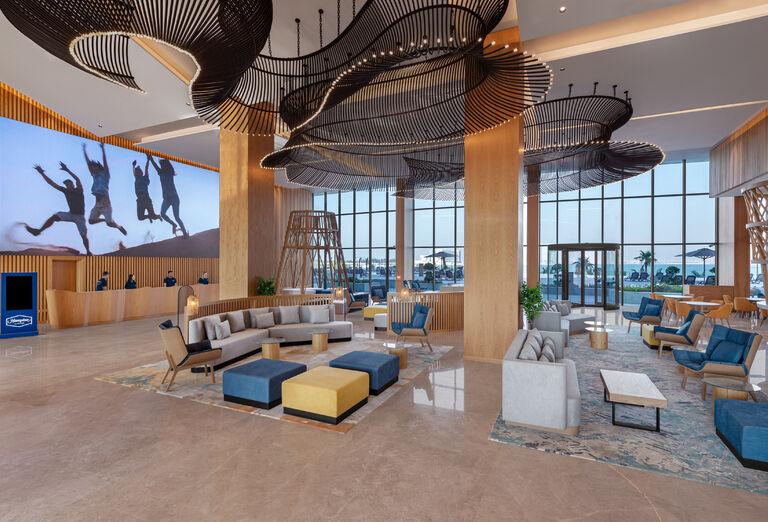 Hotel Hampton by Hilton Marjan Island - lobby