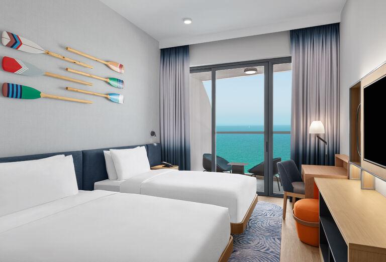 Hotel Hampton by Hilton Marjan Island - izba