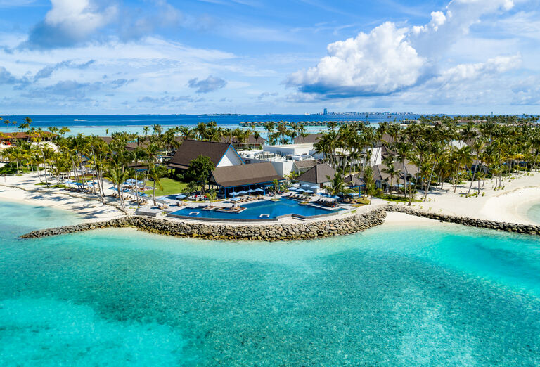 Hotel SAii Lagoon Maldives, Curio Collection By Hilton ****+