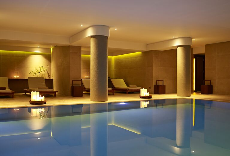 Ostatné Hotel The Ixian Grand & Ixian All Suites *****
