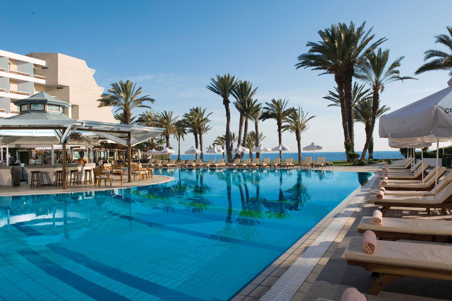 https://cms.satur.sk/data/imgs/tour_image/orig/01-pioneer-beach-hotel-swimming-pool-1972631.jpg