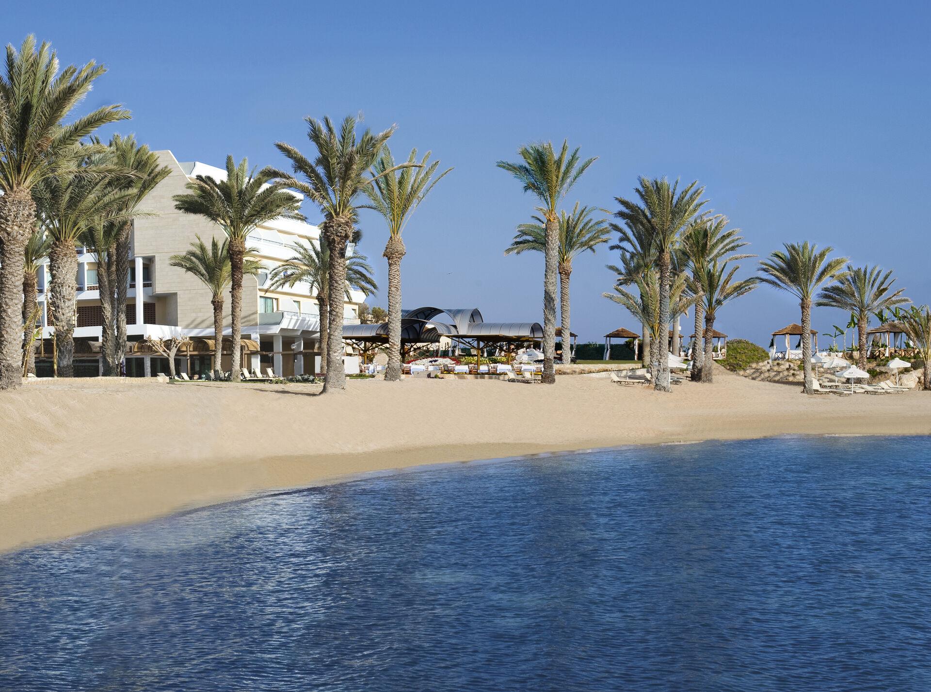 https://cms.satur.sk/data/imgs/tour_image/orig/02-1-pioneer-beach-hotel-beach-with-no-couple-1972648.jpg