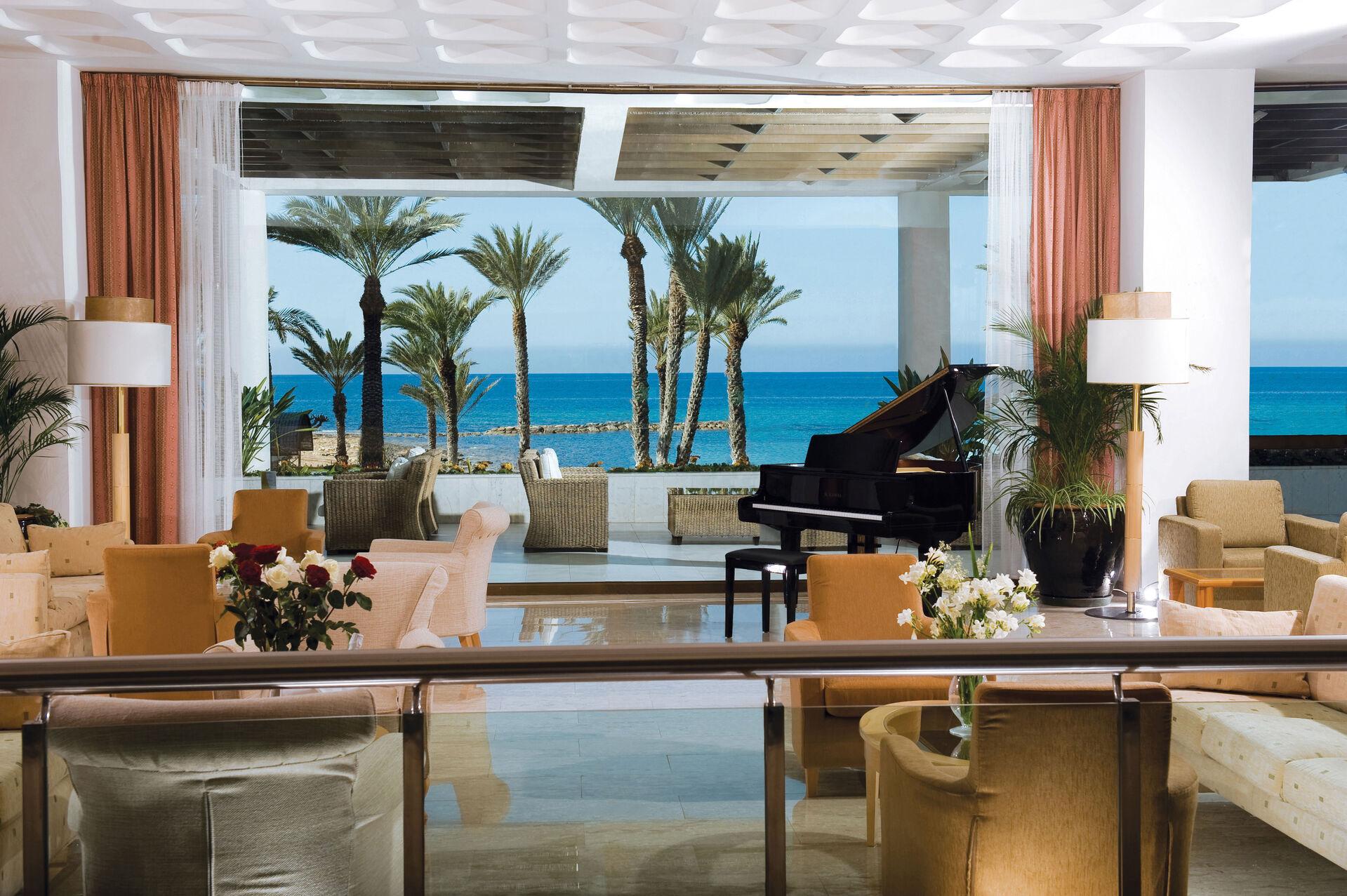 https://cms.satur.sk/data/imgs/tour_image/orig/03-1-pioneer-beach-hotel-lobby-1972632.jpg