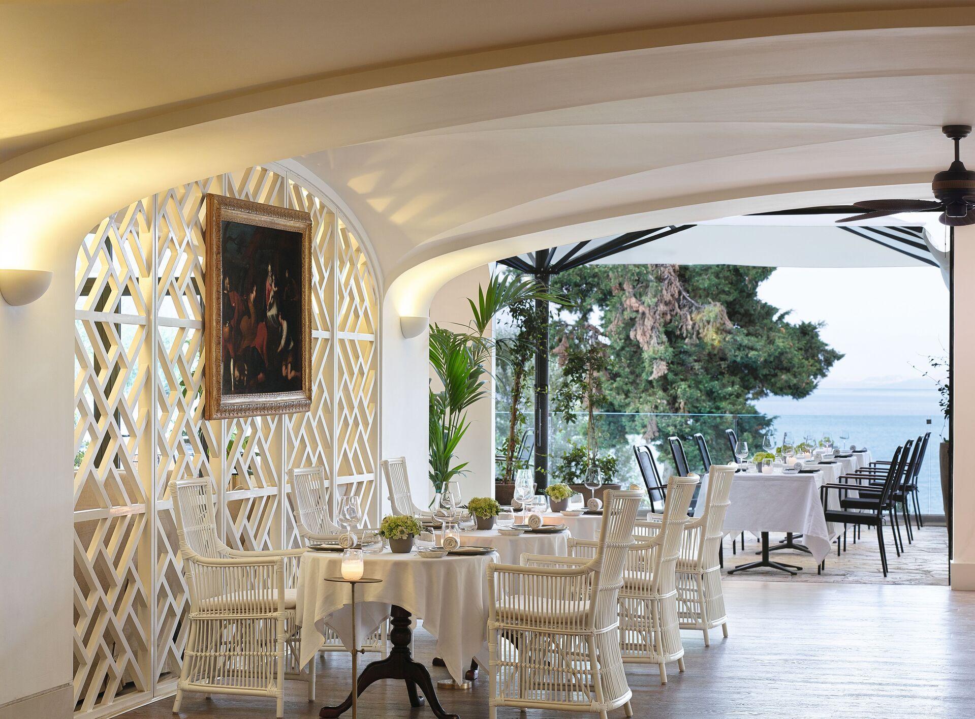 https://cms.satur.sk/data/imgs/tour_image/orig/05-il-gattopardo-restaurant_72dpi-1924848.jpg