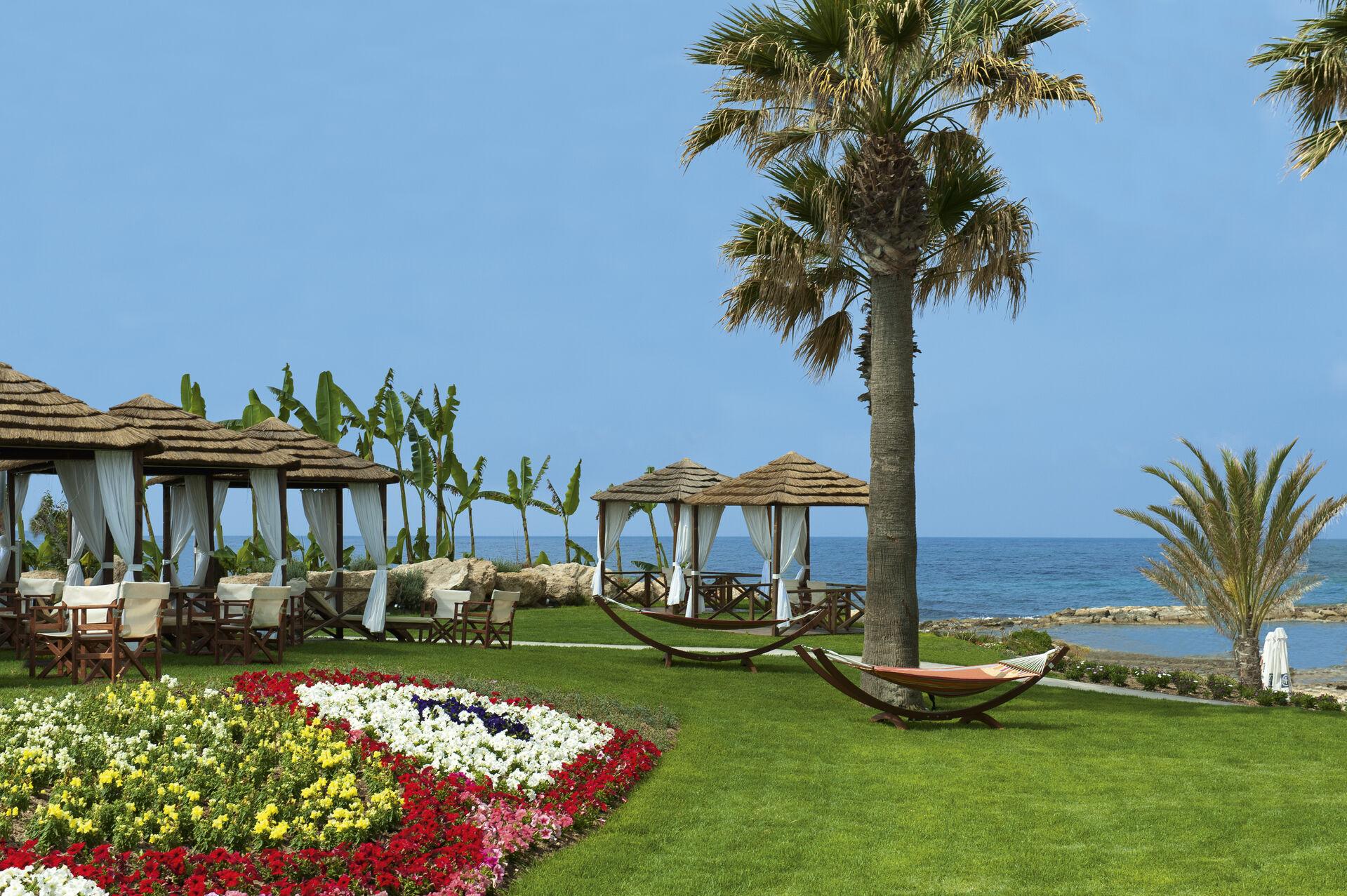 https://cms.satur.sk/data/imgs/tour_image/orig/07-1-pioneer-beach-hotel-cabanas-by-the-beach-1972634.jpg
